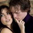 """Il tradimento è uno tra gli eventi che possono scuotere più drammaticamente la stabilità di una coppia. La parola stessa tradimento rimanda al concetto di """"dare, consegnare, mettere in mano"""". […]"""