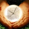 Se l'orologio diventa padrone delle nostre giornate, si entra in una fase d'ansia che crea forti disagi interiori, ostacola i rapporti con gli altri e spegne ogni energia creativa: cosa […]