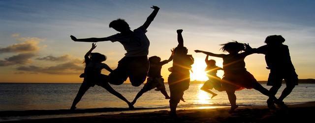 Allegria, gioia di vivere e consapevolezza nelle attività che animano le nostre iniziative. Dalla meditazione alla biodanza, dal massaggio ai giochi di relazione, tante proposte per crescere e divertirsi insieme.